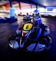 karting les clayes sous bois speed park les clayes 15 minutes sur circuit indoor